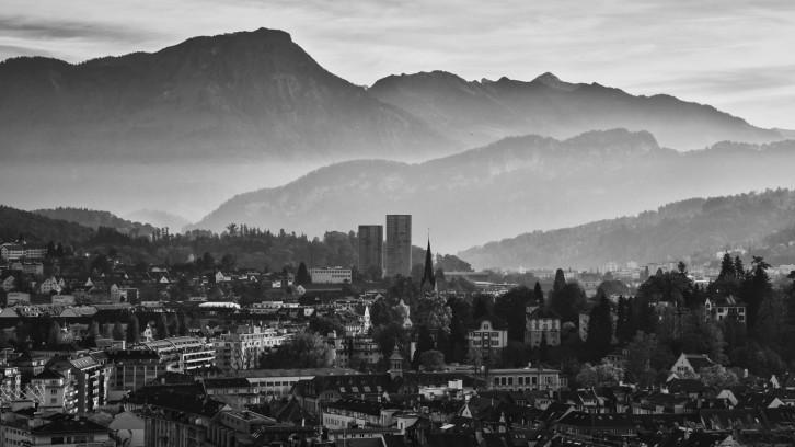 Die Stadt, der See, die Berge und ich.